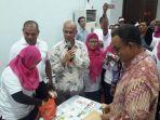 pt-pos-indonesia-luncurkan-prangko-edisi-khusus-asian-games-2018-3_20180215_123356.jpg