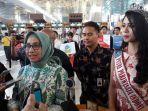 putri-pariwisata-indonesia-2017-astari-vernadeina-di-terminal-3-bandara-soekarno-hatta-3_20180420_123502.jpg