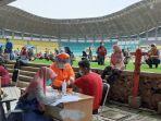 rapid-test-covid-19-di-stadion-patriot-candrabaga-kota-bekasi-2.jpg