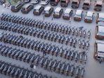 ratusan-motor-dan-mobil.jpg