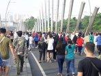 ribuan-warga-memadati-area-car-free-day050720202.jpg
