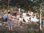 rumah-roboh-akibat-gempa_20180729_084813.jpg
