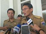 rustam-effendi-dan-wakil-gubernur-dki-jakarta-sandiaga-uno_20171106_102816.jpg