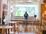 salah-satu-ruangan-di-bagian-dalam-pigeonhole-coffee.jpg