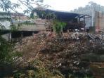 sampah-kali-cipinang_20150915_195713.jpg