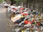 sampah-tanjung-barat_20151109_052123.jpg