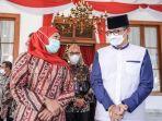 sandiaga-salahuddin-uno-bersama-gubernur-jawa-timur-khofifah-indar-parawansa.jpg