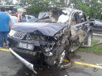sebuah-mitsubishi-pajero-mengalami-kecelakaan-di-jalan-tol-jagorawi-akibat-pecah-ban.jpg