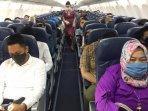 sejumlah-penumpang-dalam-pesawat-saat-menikmati-layanan-penerbangan-lion-air160820202.jpg