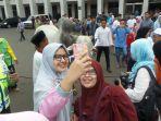selfie-dengan-sapi-jokowi_20170901_093223.jpg