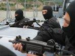 senapan-mungil-bikinan-israel-ini-menjelma-jadi-senjata-favorit-gangster070301.jpg