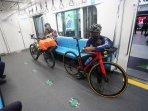 sepeda-kereta-mrt.jpg