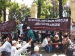 sidang-putusan-gugatan-hizbut-tahrir-indonesia-di-ptun-4_20180508_103013.jpg
