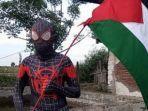 spiderman-black-pinrang-dukung-palestina.jpg