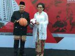 sri-mulyani-seusai-upacara-peringatan-hari-kemerdekaan-ke-73-republik-indonesia_20180817_111035.jpg