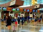 suasana-ramai-penumpang-di-bandara-soekarno-hatta301020201.jpg