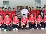 tim-junior-dan-pengurus-pbsi_20181031_194323.jpg