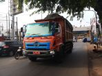 truk-sampah_20181023_204505.jpg