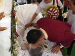 upacara-pernikahan-sekaligus-pemakaman1.jpg