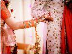 wanita-datang-ke-pernikahan-ternyata-mempelainya-suaminya-sendiri.jpg