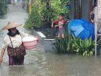 warga-jalan-galeong-rt-0407-kelurahan-margasari-kebanjiran.jpg