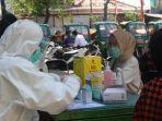 warga-kelurahan-rawa-badak-utara-jalani-rapid-test-massal.jpg