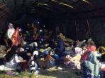 warga-mengungsi-pascagempa-magnitudo-72-di-halmahera-selatan-maluku.jpg