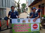warga-rw-11-kampung-jaha-kelurahan-jatimekar-kecamatan-jatiasih_lockdown.jpg