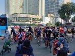 warga-tumpah-ruah-di-kawasan-bundaran-hotel-indonesia230820202.jpg