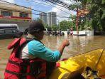 wege-kerahkan-perahu-karet-untuk-korban-banjir-3.jpg