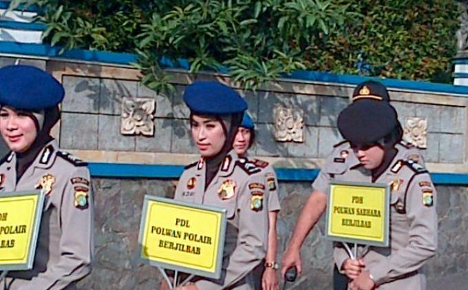 Pesan Wakapolda Terhadap Polwan Berjilbab - IMG-20131125-01003.jpg
