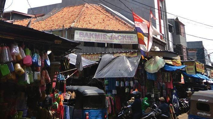 Wisata Jalan Kaki Pecinan Jatinegara 2: Bakmie Jackie Langganan Pengunjung Pasar Jatinegara