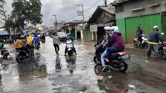 Industri Ritel dan Wisata Rugi Triliunan Rupiah Akibat Banjir