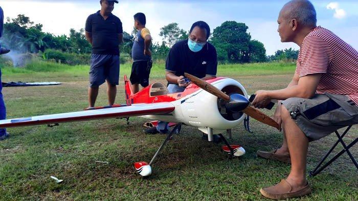 Jalan-jalan di CBD Bintaro pada Akhir Pekan Bisa Lihat Atraksi Aeromodelling