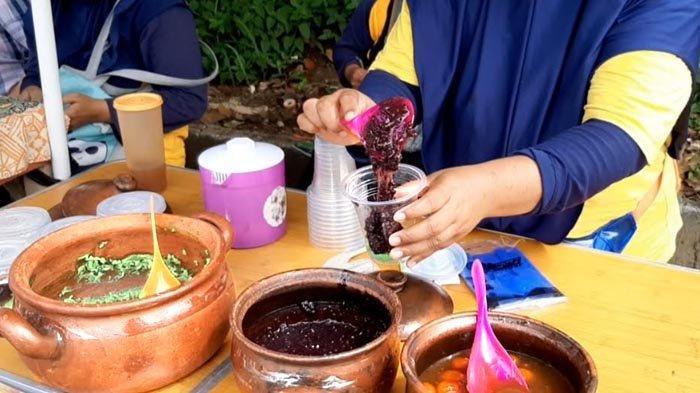 Pada saat ini Bubur Sumeng hanya bisa ditemukan di Desa Waringin Jaya, Bojonggede, Kabupaten Bogor pada hari Minggu.