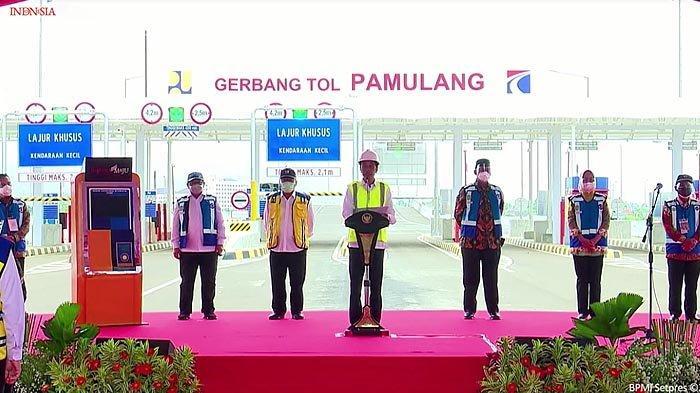 Presiden Joko Widodo meresmikan operasi ruas tok Serpong - Pamulang dan Cengkareng - Batuceper - Kunciran pada Kamis (1/4/2021).