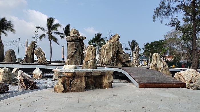 Pengunjung Taman Impian Jaya Ancol Dilarang Berenang di Pantai