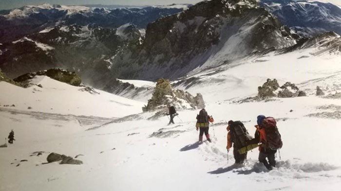 Sepuluh Tahun Pendakian Gunung Aconcagua (6): Terjebak El Viento Blanco dan Jatuh ke Jurang
