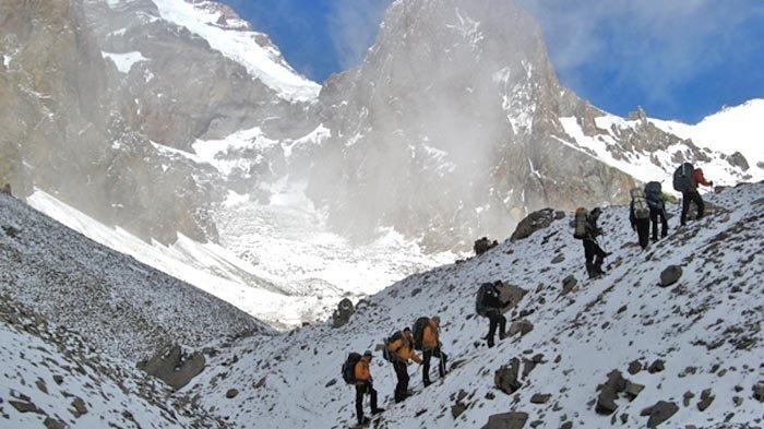 Sepuluh Tahun Pendakian Gunung Aconcagua (3): AMS Menyerang Terpaksa Evakuasi dengan Helikopter