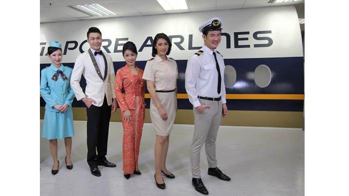 Para awak kabin dalam program Restaurant A380 @Changi akan mengenakan seragam Singapore Airlines dari berbagai masa.