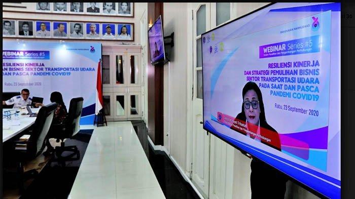 Umiyatun Hayati Triastuti, Kepala Badan Penelitian dan Pengembangan Perhubungan (Balitbanghub) saat webinar seri #5, Rabu (23/9/2020) di Jakarta.