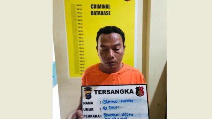 Warga Pekanbaru bernama Qaimul Hakky (42), diamankan pihak kepolisian dari Satuan Reserse Kriminal (Satreskrim) Polresta Pekanbaru.