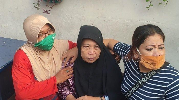 Suasana di kediaman Trio, pemuda asal Buaran, Duren Sawit, Jakarta Timur yang meninggal dunia usai sehari vaksin, Senin (23/5/2021).