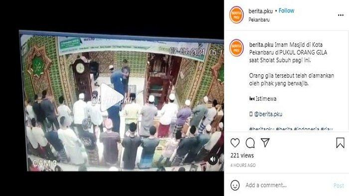 Viral video imam masjid di Masjid Baitul 'Arsy di Jalan Srikandi, Kelurahan Delima, Panam, Kota Pekanbaru, Riau, Jumat (7/5/2021), ditampar saat pimpin salat subuh.