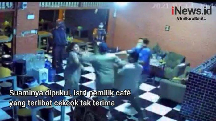 Capture video viral Oknum Satpol PP Gowa pukul ibu hamil yang merupakan pemilik warkop Warkop Ivan Riyana, Gowa, Sulawesi Selatan, 14 Juli 2021. Oknum Satpol PP Gowa itu bernama Mardani Hamdan.