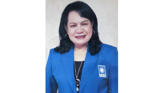 Wasekjen DPP Partai Amanat Nasional (PAN), Rosaline Irene Rumaseuw. Terbaru, Rosaline meminta agar pemerintah membuat rumah sakit Covid-19 khusus untuk para pejabat.