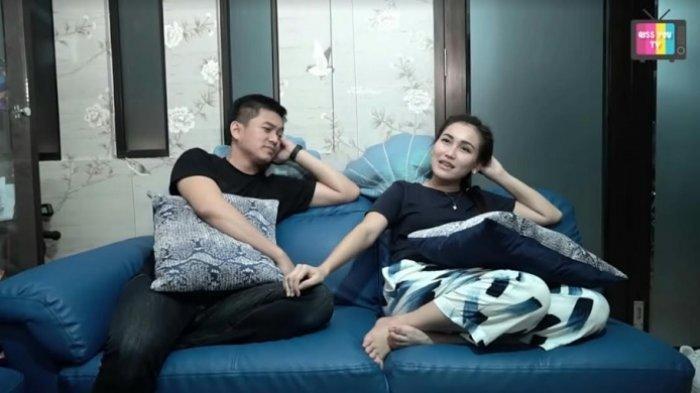 Adit Jayusman saat bersama Ayu Ting Ting