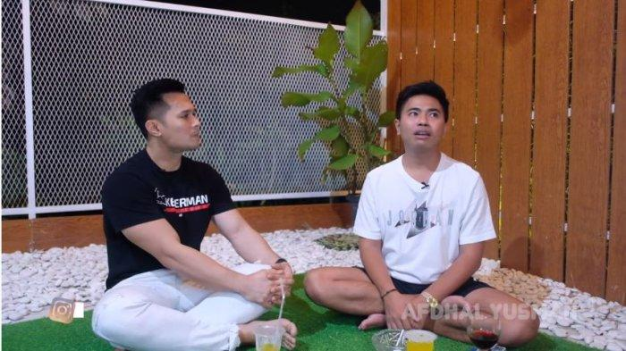 Afdhal Yusman (kiri) bersama manajer Rizky Billar, Dery Saputra, Rabu (8/9/2021).