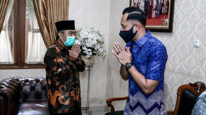 Ketua Umum Partai Demokrat pilihan kongres luar biasa (KLB) 2020 Agus Harimurti Yudhoyono (AHY) mendatangi kediaman mantan Ketua Mahkamah Konstitusi (MK) Jimly Asshiddiqie, Rabu (9/3/2021).