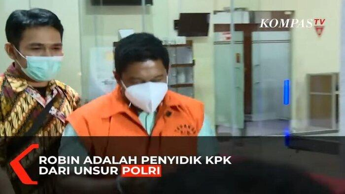 Terima Suap Kasus Tanjungbalai Rp 1,6 Miliar, Penyidik KPK AKP Robin Diberhentikan Tidak Hormat
